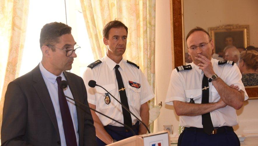 Le préfet Louis Laugier, le général Bernard Clouzot et le colonel Frédéric Le Meur, patron des gendarmes aveyronnais, qui va rejoindre la Corse au 1er septembre.