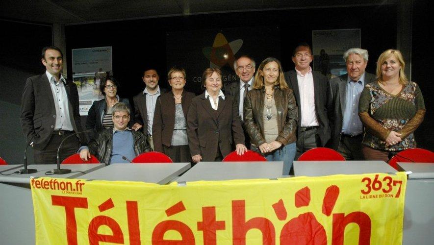 Les bénévoles et responsables aveyronnais de l'AFM-Téléthon ont accueilli Isabelle Besson-Faure (au centre) du Généthon Bioprod  lors de la convention départementale du lancement du Téléthon 2013.