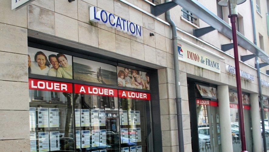 D'après le Claj, le prix moyen d'un studio à Rodez est de 240€ par mois (300€ en y incluant les charges locatives). De plus, les étudiants sont chaque année un peu plus nombreux à privilégier le choix du meublé.