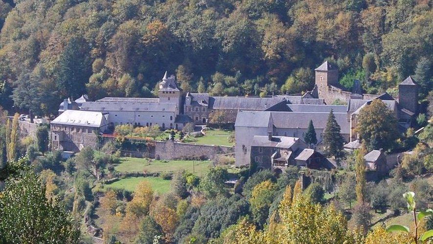 Le corps a été retrouvé à près de 2 kilomètres à vol d'oiseau de l'abbaye.