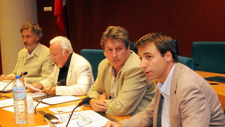 Roger Lassaque, David Grosclaude et Guilhem Latrubesse à la manœuvre.