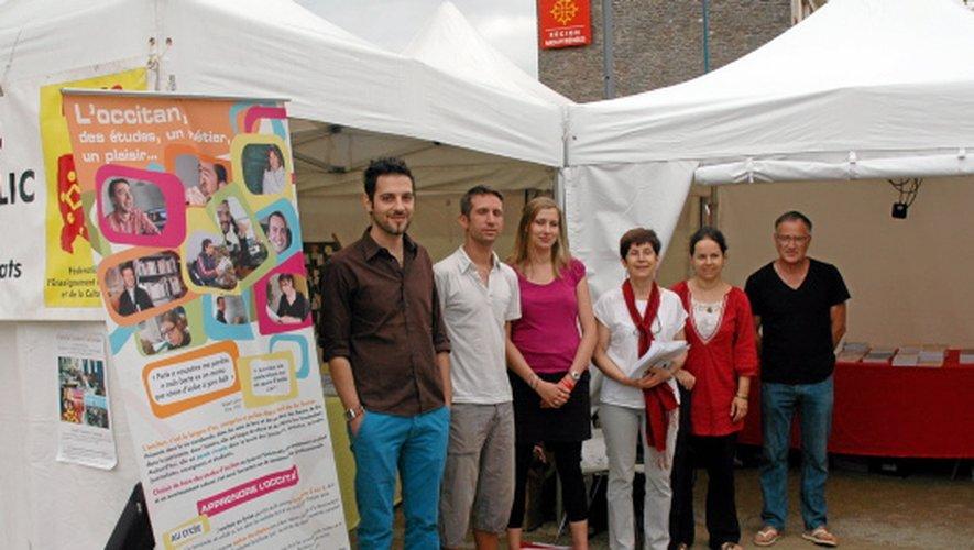 Jeanne Verny en compagnie de Gauthier Couffin, Cédric Augé et Camille Rousset sur le stand de la Felco.