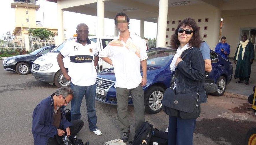 Photo fournie par RFI montrant Ghislaine Dupont (d) et Claude Verlon (g) à Bamako, en juillet 2013