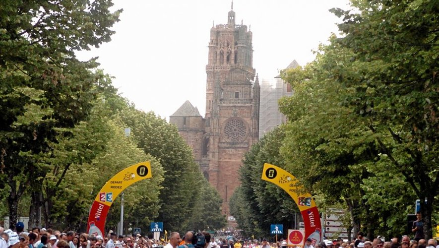 Le 17 juillet 2010, la foule des grands jours s'était réunie à Rodez pour assister au départ de la 13e étape amenant le peloton à Revel.
