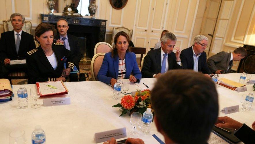 La ministre de l'Ecologie Ségolène Royal le 26 août à Paris, pendant les discussions pour lutter contre le gaspillage alimentaire dans la grande distribution