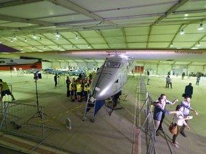 Son pilote malade, Solar Impulse 2 reporte la dernière étape de son tour du monde