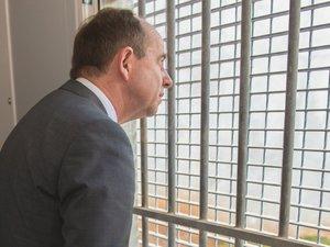 Le garde des Sceaux face au casse-tête des prisons surpeuplées