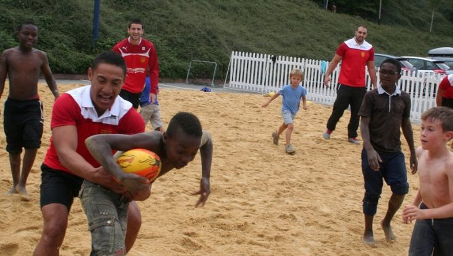 Timu Star et les recrues du SRA présentés à la plage...