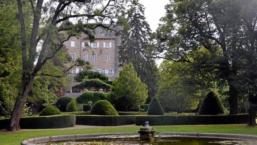 Connu dès le 13e siècle, le château de Lugans est inscrit au titre des monuments historiques depuis 1986.