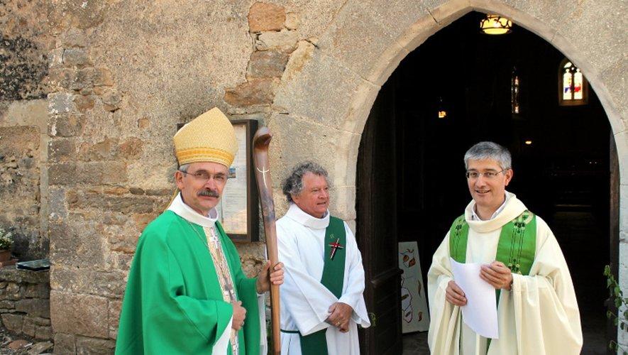 L'évêque de Rodez François Fonlupt, accompagné du diacre Bernard, a été accueilli par le père Daniel Boby, prêtre de la paroisse Pentecôte Quercy-Rouergue.