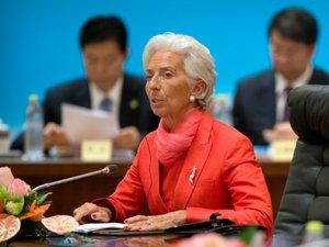 """Christine Lagarde devra affronter un procès pour """"négligence"""" dans l'arbitrage Tapie"""