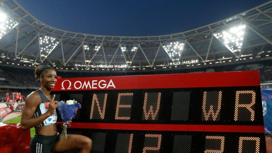 L'Américaine Kendra Harrison après avoir battu le record du monde du 100 m haies en 12.20, le 22 juillet 2016 à Londres
