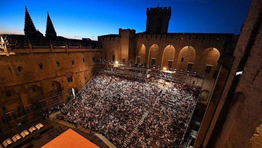 """Les """"Damnés"""" mis en scène par le Flamand Ivo van Hove en ouverture du Festival le 6 juillet 2016 à Avignon"""
