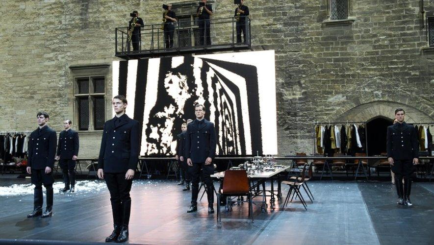 """Représentation des """"Damnés"""", mis en scène par le Flamand Ivo van Hove avec la Comédie-Française, le 4 juillet 2016 lors du Festival d'Avignon"""