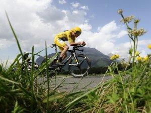 Tour de France: Froome continue de grimper