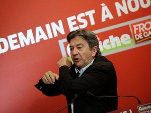 """Mélenchon: Hollande a """"réussi à diviser son gouvernement"""""""