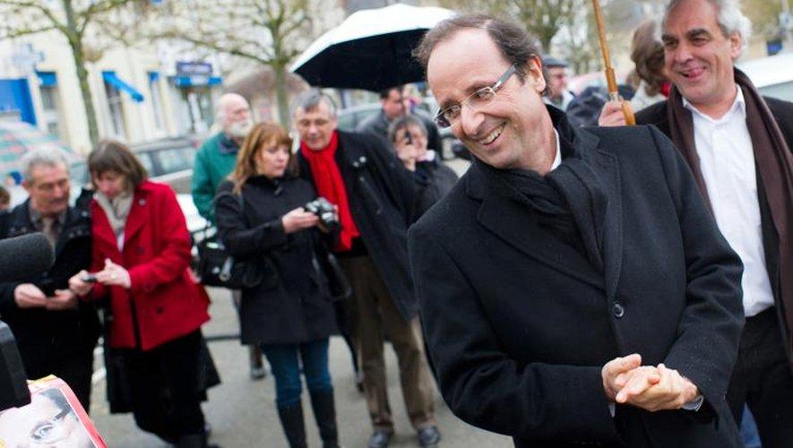François Hollande à Sablé-sur-Sarthe le 28 février 2011