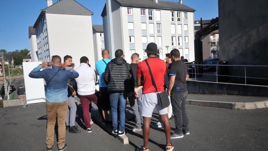 Cet après-midi à Saint-Eloi. Les jeunes veulent des explications.
