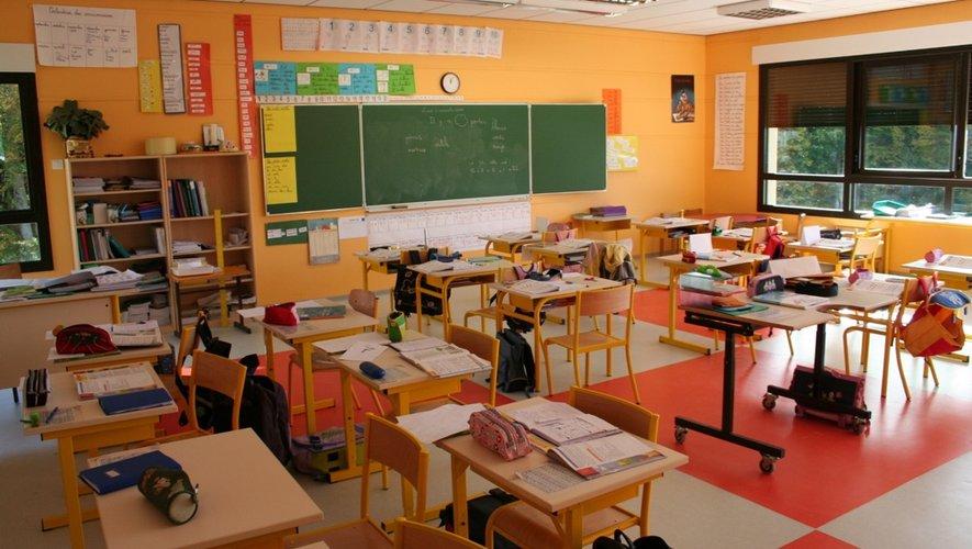 Quelque 45 000 jeunes Aveyronnais du premier au second degré (chiffres de la rentrée 2013) vont retrouver demain leur place en classe.