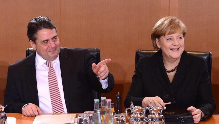 Sigmar Gabriel et Angela Merkel le 17 décembre 2013 à Berlin