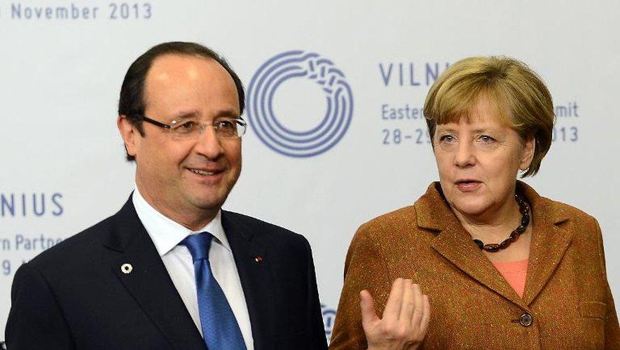François Hollande et Angela Merkel le 29 novembre 2013 à Vilnius