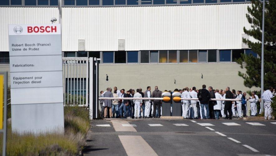Plusieurs centaines d'employés se sont mobilisés jeudi.