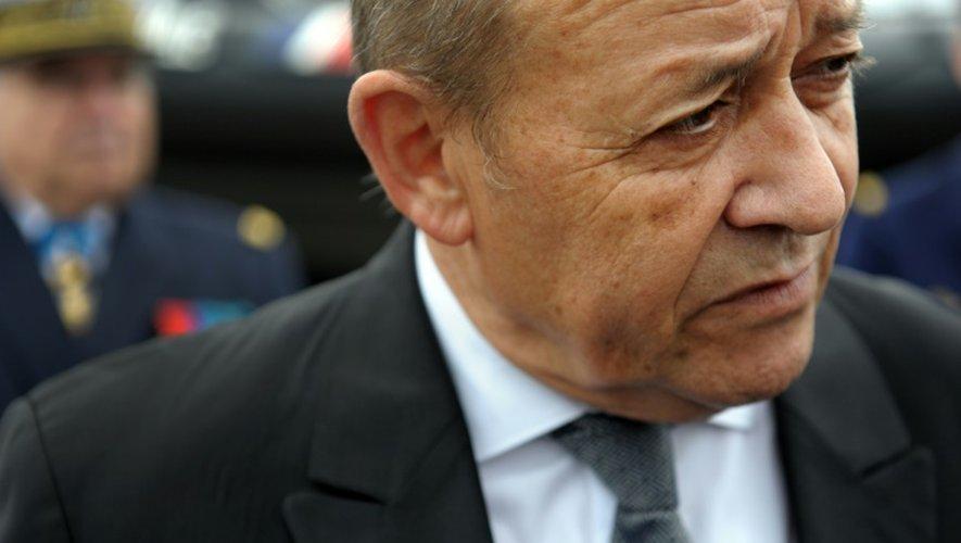 Le ministre de la Défense  Jean-Yves Le Drian le 11 septembre 2015 à Lannester