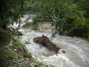 Tempête Earl : six morts au Mexique dans des glissements de terrain