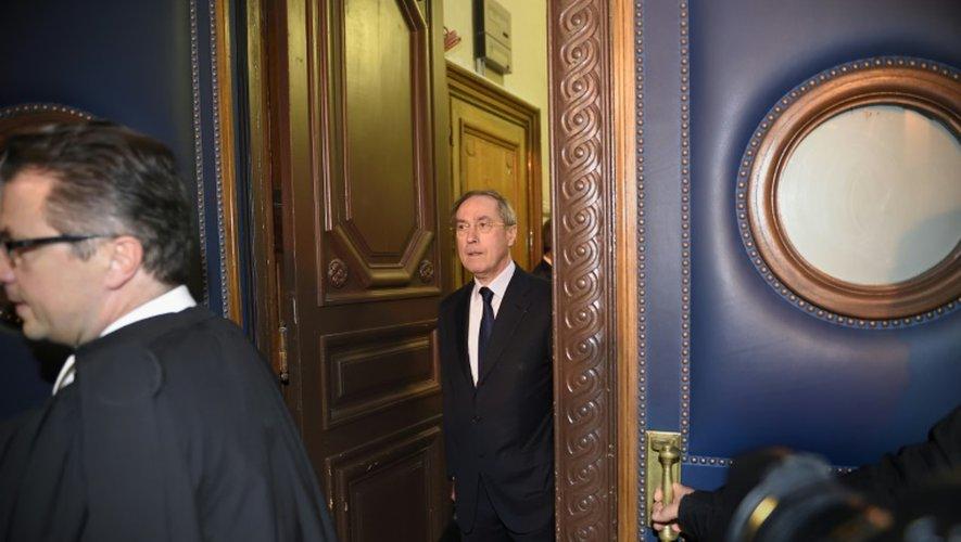 Ouverture à Paris du procès des primes en liquide de Claude Guéant