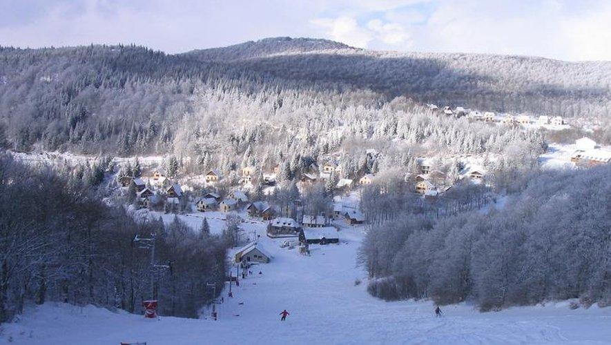 Deux pistes de ski alpin sont ouvertes depuis lundi matin.
