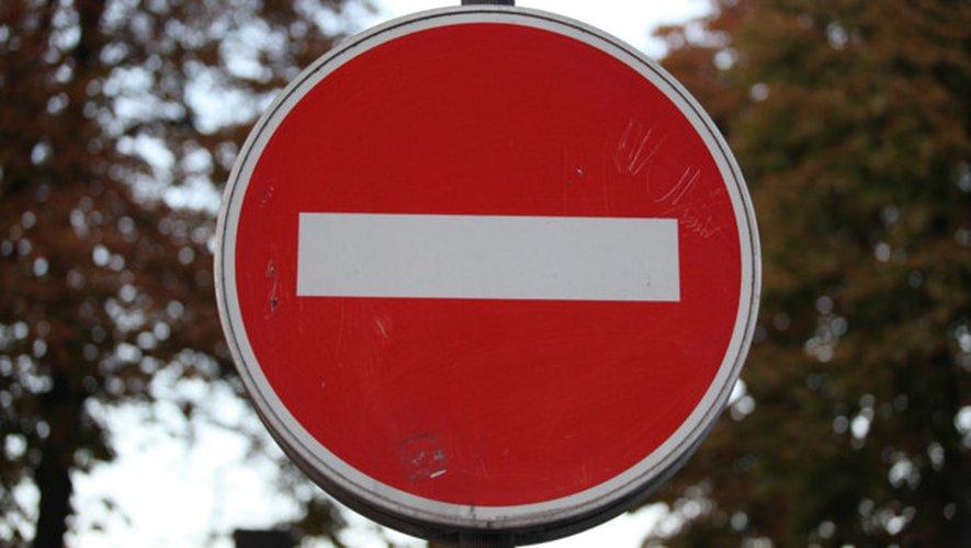 Tirs à la carabine sur un panneau de signalisation : l'auteur avoue
