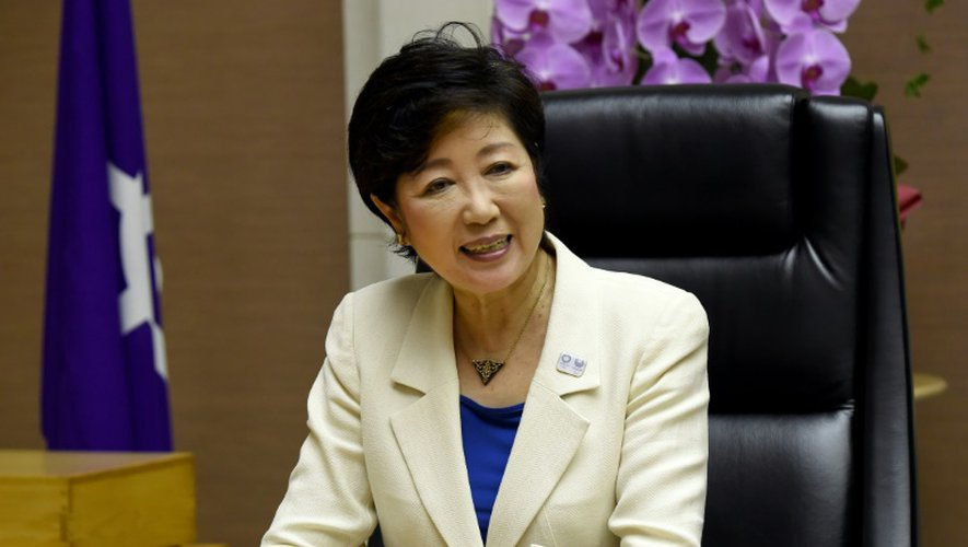 Yuriko Koike, gouverneure de Tokyo répond aux journalistes le 2 août  2016, à Tokyo