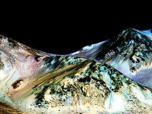 La Nasa a la preuve que de l'eau coule sur Mars, une découverte révolutionnaire