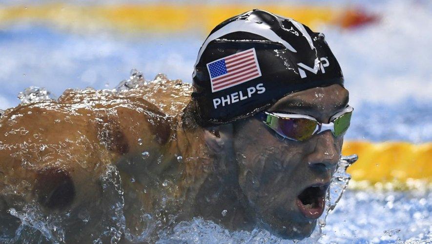 L'Américain Michael Phelps en  demi-finale du 200 m papillon aux JO de Rio, le 8 août 2016