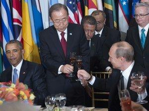 """Fin de """"quarantaine"""" pour l'incontournable Poutine, souligne la presse"""