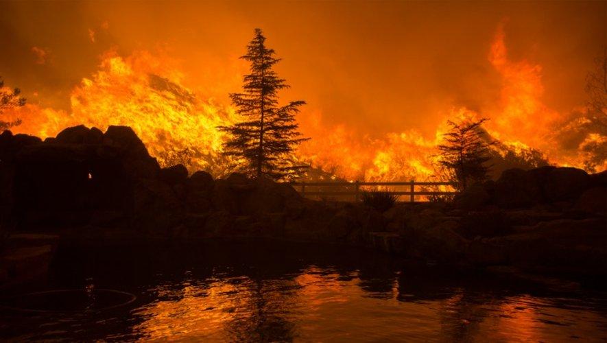 Incendie le 23 juillet 2016 à Santa Clarita en Californie