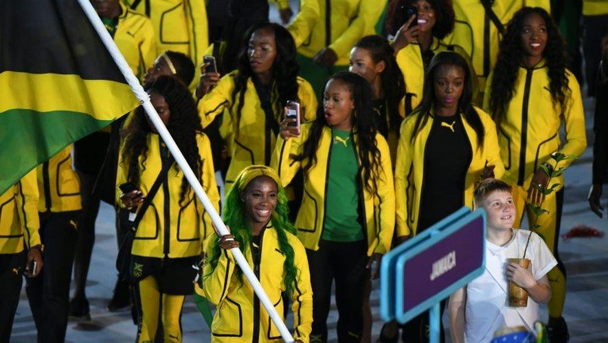 Shelly-Ann Fraser-Pryce, porte drapeau de la délégation jamaïcaine lors de la cérémonie d'ouverture des JO de Rio, le 5 août 2016