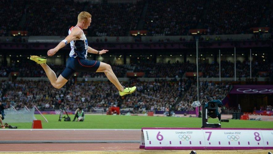 Le Britannique Greg Rutherford lors de la finale du saut en longueur aux JO de Londres, le 4 août 2012