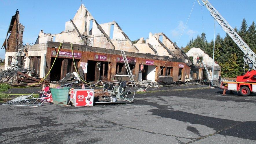Un incendie ravage l'hôtel des Myrtilles à Brameloup