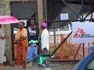 Ebola: silence sur l'état de santé de l'infirmière de MSF rapatriée