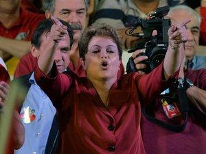 Brésil: Rousseff bataille pour éviter un second tour