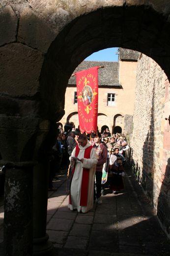 A Conques, la procession de sainte Foy tout en majesté