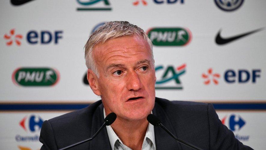 Le sélectionneur de l'équipe de France Didier Deschamps devant la presse au siège de la Fédération à Paris, le 25 août 2016