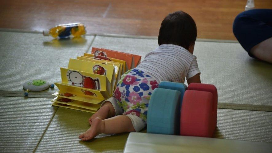 Un bébé dans une crèche à Yokohama, le 29 juin 2016