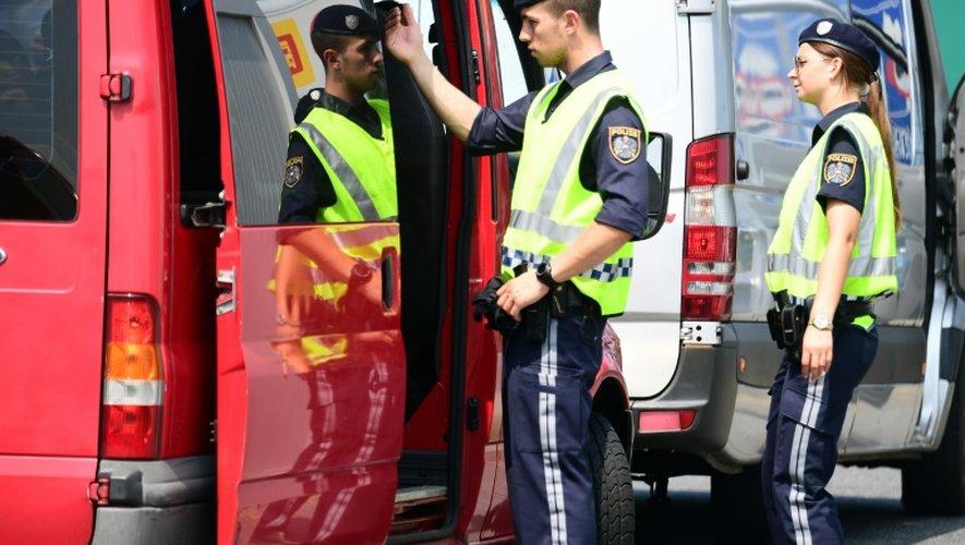 Contrôle de la police autrichienne à la frontière avec la Hongrie, le 12 juillet 2016