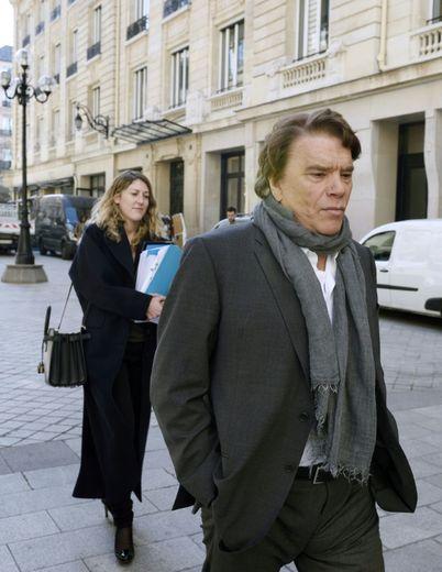 Bernard Tapie à son arrivée au pôle financier du tribunal de grande instance le 12 mars 2015 à Paris