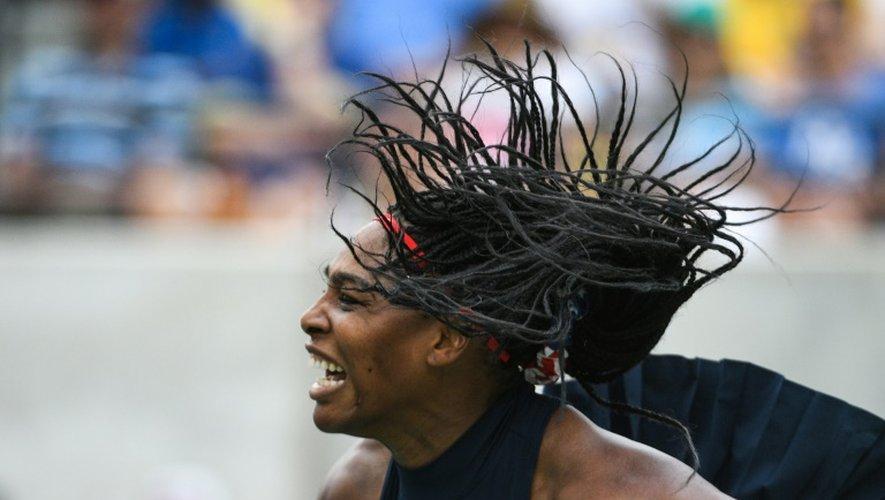 L'Américaine Serena Williams face à l'Australienne Daria Gavrilova au 1er tour du tournoi olympique à Rio, le 7 août 2016