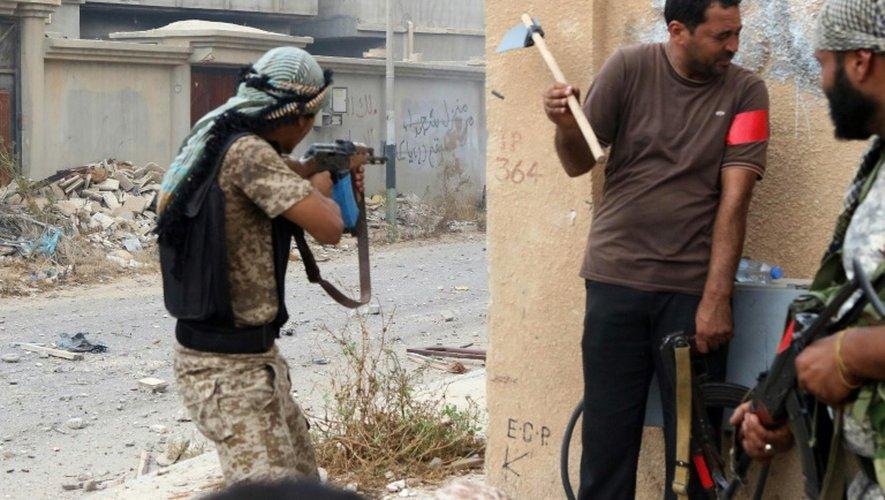 """Libye: """"l'ultime bataille"""" contre l'EI lancée à Syrte"""