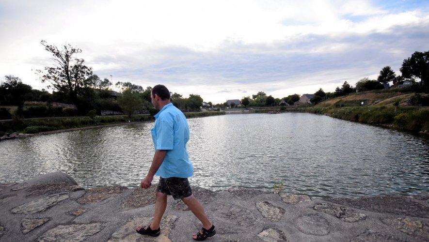 Des lâchers sauvages sont probablement à l'origine de la présence de poissons-chats ou de silures dans les plans d'eau (ici, Istournet) ou les cours d'eau du secteur. Des espèces qui font beaucoup de dégâts.