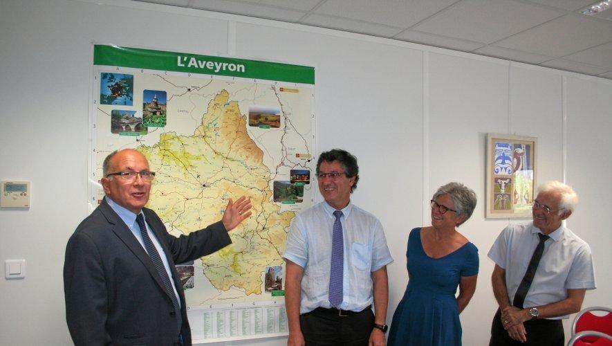 Dominique Roure (à gauche) avec Bernard Fressignac (inspecteur), Marie-Annick Busnel (secrétaire générale) et Michel Julita (inspecteur d'information et d'orientation).